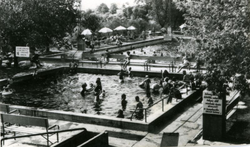 A fürdő régen